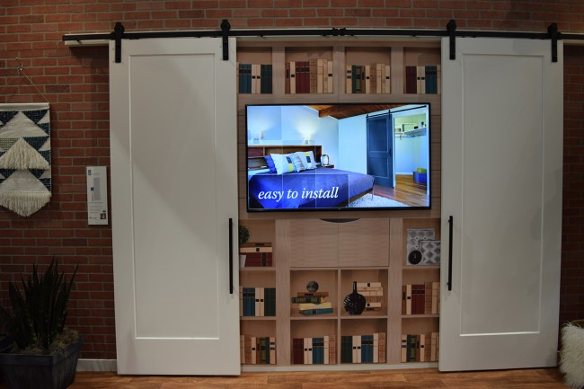 Masonite representatives say Barn Doors are a new trend in the industry. & The Best of the Buildersu0027 Show | DWM Magazine